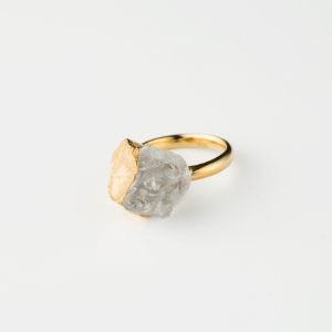 QUARTZ BIRTHDAY STONE RING