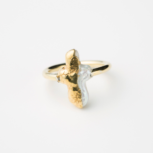 CROSS BAROQUE PERAL RING