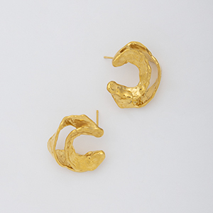YU-KIN BROKEN HOOP MIDIUM EARRING