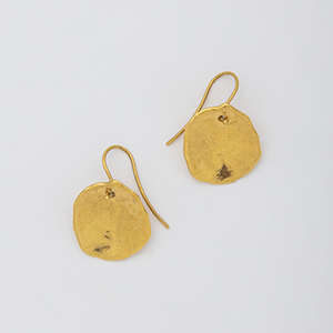 YU-KIN COIN HOOK EARRINGS